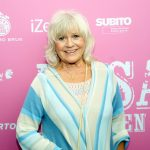 Skridskoåkning på solkusten, svensk kändis blir hedersturist och bra hälsovård i Spanien