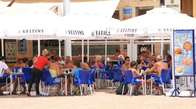Solkusten får nya Michelinstjärnor, nöjespark väntas få många besökare och Marbella har blivit en storstad